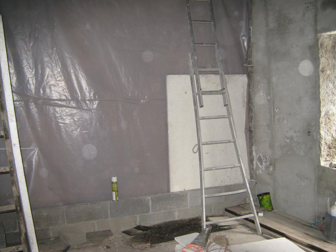 X11388 Isolation vide sanitaire avant doublage