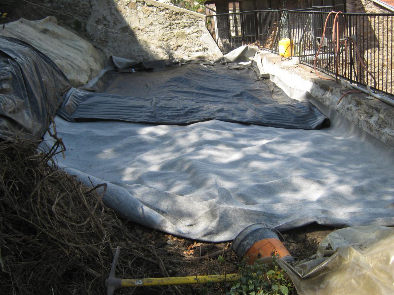 560  2e couche bache de bassin